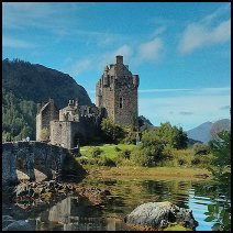 By User:Bigwikiaal (Own work) [CC-BY-SA-3.0 (http://creativecommons.org/licenses/by-sa/3.0)], via Wikimedia Commons http://commons.wikimedia.org/wiki/File%3AEilan_Donan_Castle%2C_Scotland_2013-09-12_12-29.jpg