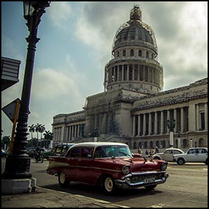 Cuba Capitole by y.becart(Own work) [CC-BY-SA-2.0 (http://creativecommons.org/licenses/by-sa/2.0)], via Flickr https://www.flickr.com/photos/yoh_59/13697566663