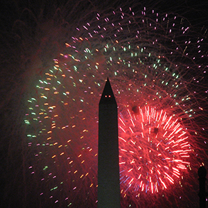 Washington DC Fireworks by Curtis Palmer [CC-BY-SA-2.0 (http://creativecommons.org/licenses/by-sa/2.0)], via Flickr https://flic.kr/p/5294FA [cropped]